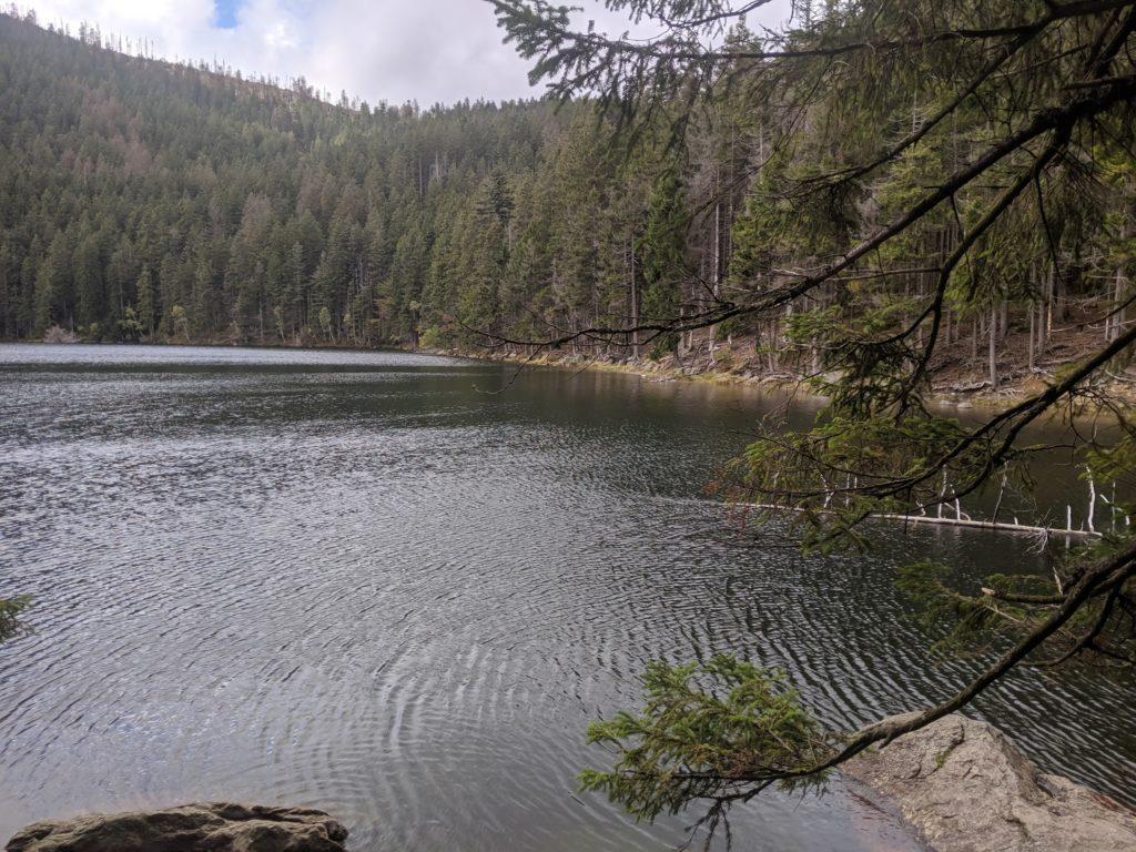 Pohled na Čertovo jezero